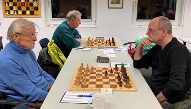 Wir haben uns sehr gefreut, dass unser Freund und Ehrenmitglied Hans Krieger wieder einmal den Weg in den Klub fand! | Foto: Eva Maria Zickelbein